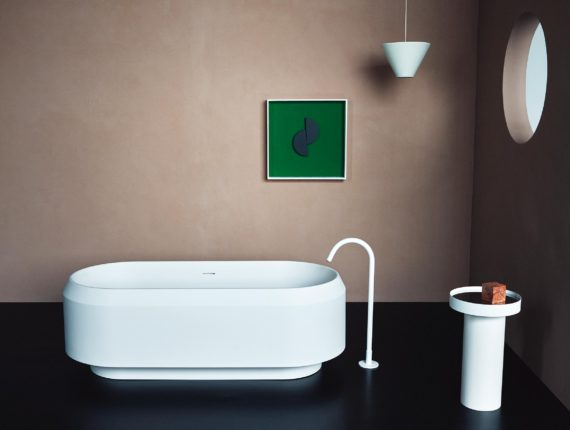 Agape Lariana bathtub by Patricia Urquiola