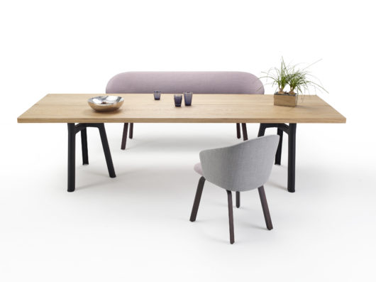 Arco Trestle Table, Design: Jorre van Ast