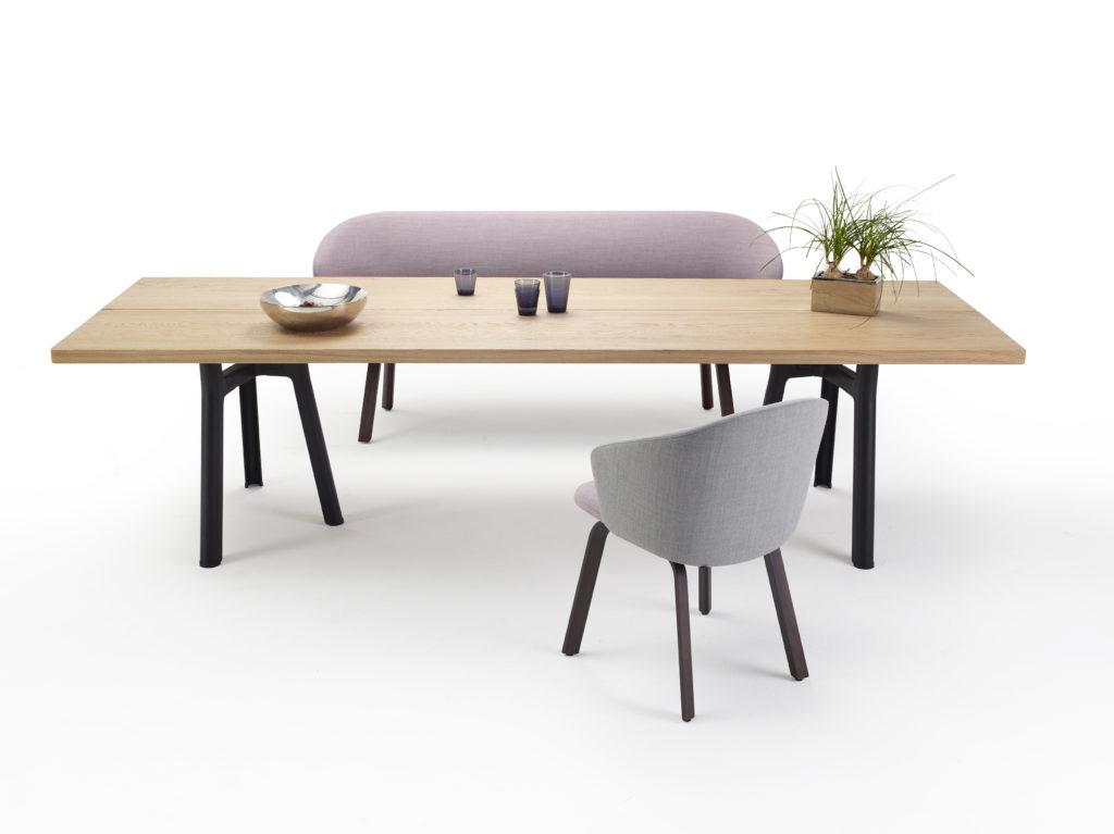 Arco Trestle Tisch, Design: Jorre van Ast